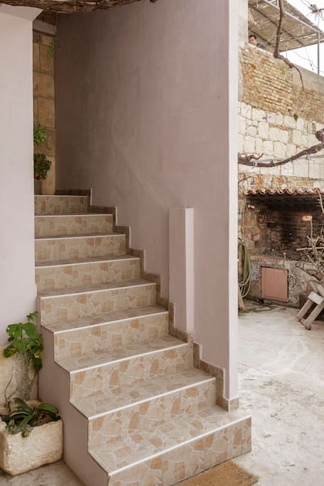 Stairways to apartment