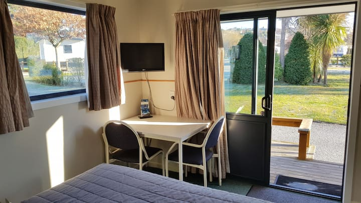 Timaru TOP 10 Holiday Park- Studio Ensuite