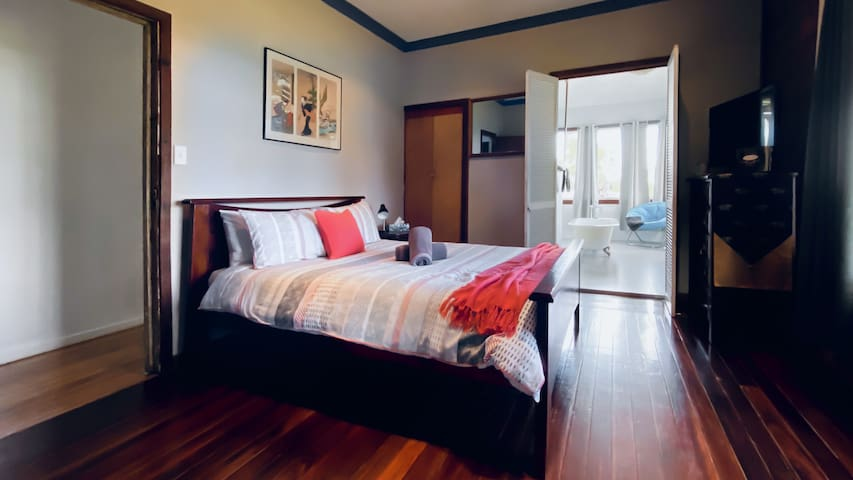 Master bedroom with ensuite, Tv and Apple TV. Ceiling fans and oil heaters