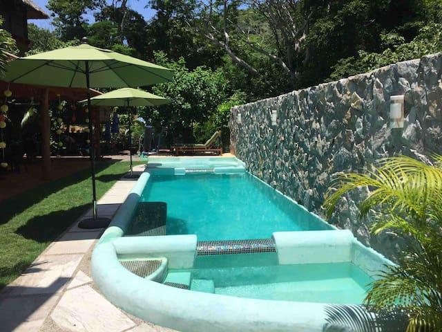 Mi Jardín - Troncones - BnB - Room, garden & Pool