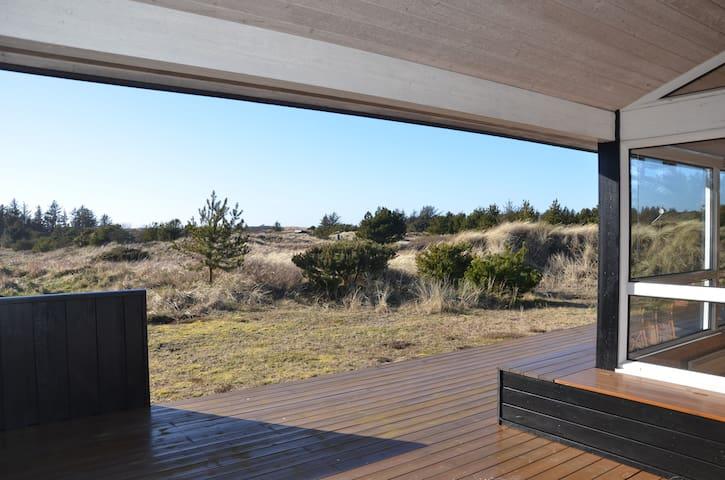 Sommerhus tæt på by og strand - Blokhus - Houten huisje
