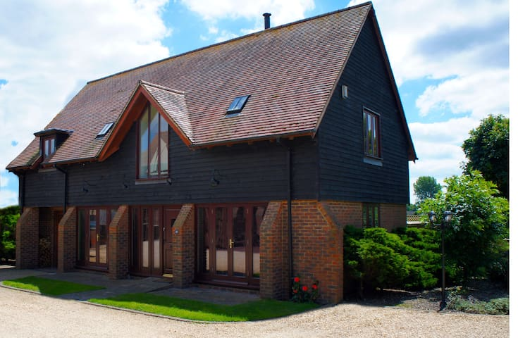 Lake Farm Barn - Ferndown - Casa