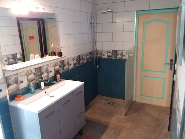 Suite Spa Privatif Chalets For Rent In Lacaune
