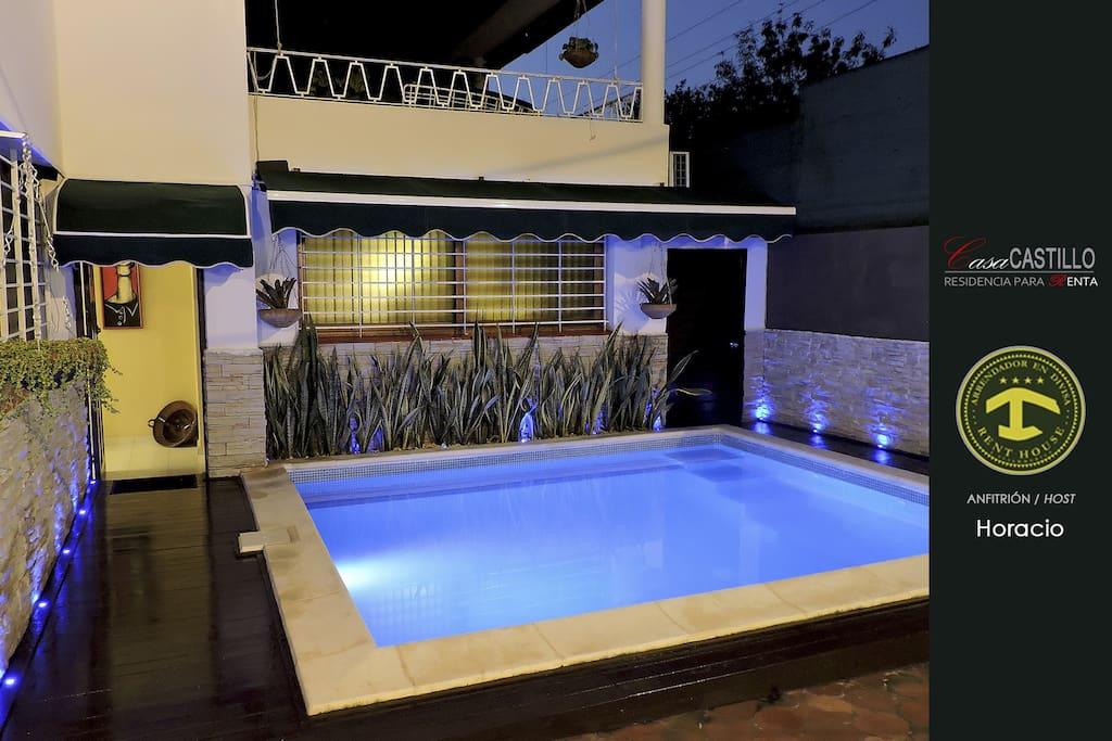 Casa con piscina jacuzzi y wifi en nuevo vedado casa for Casas con piscina en cuba