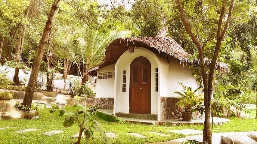 Green Dome Bungalow