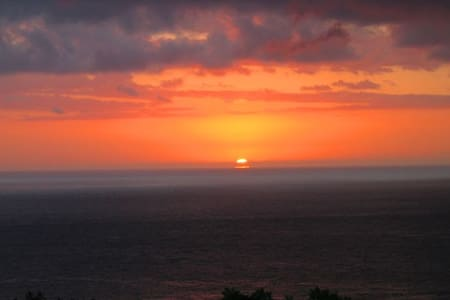 Kona sunsets and tropical breezes - Kailua-Kona - Ház