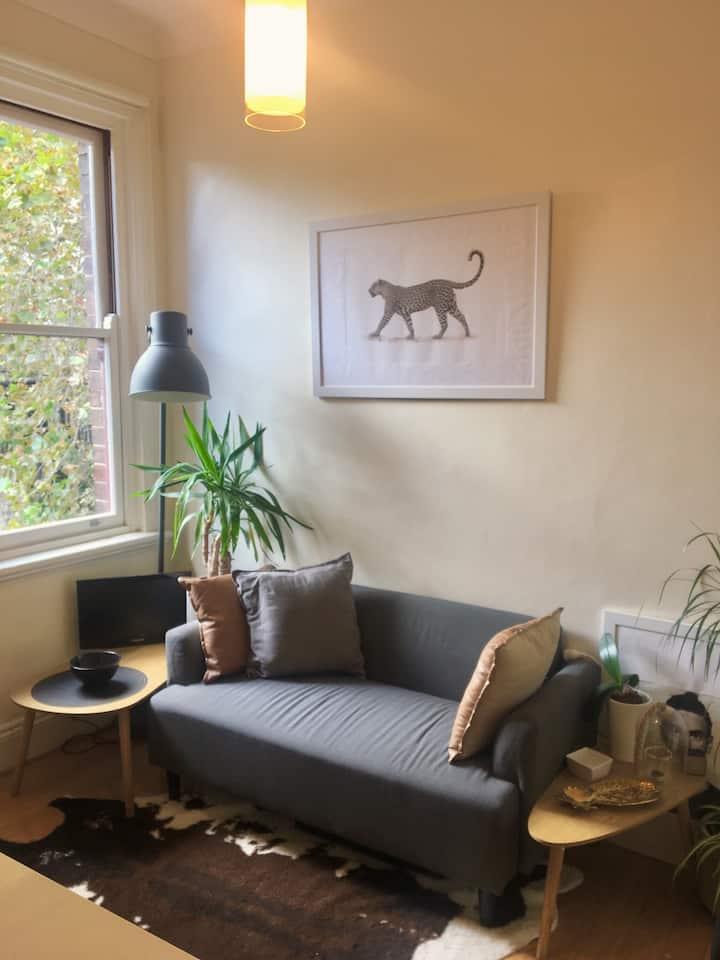 Independent studio in Surry Hills