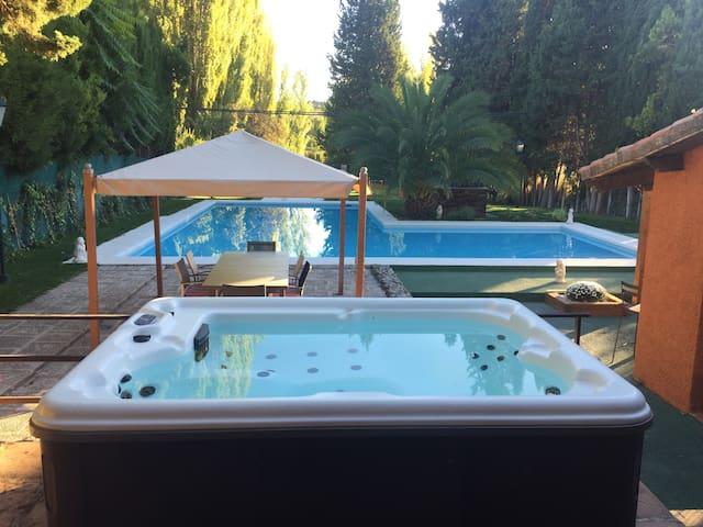Villazorita Bonita casa rural piscina SPA chimenea