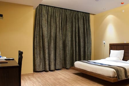 City centre one of the best, friendly and peaceful - Nuova Delhi - Bed & Breakfast
