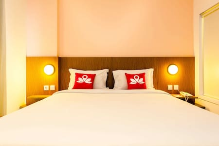 Amazing Room at Pancoran Pomelotel - Tebet - Bed & Breakfast