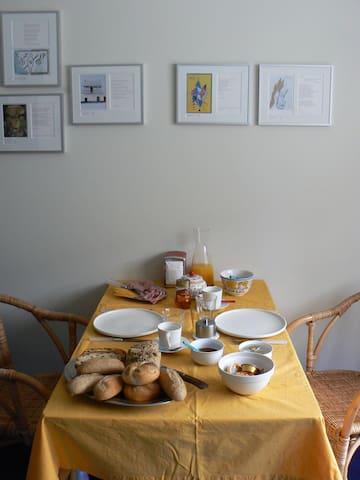 Een heerlijk ontbijt afgestemd op uw wensen