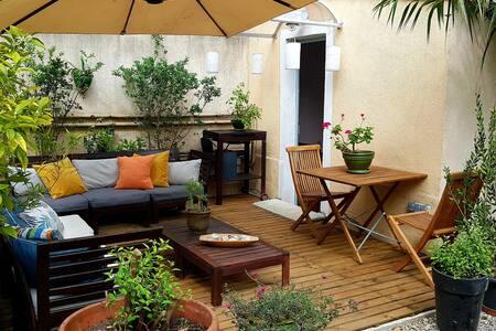 studio climatisé avec terrasses