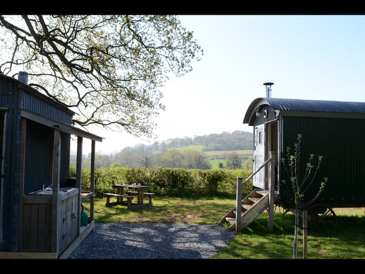 Secluded shepherds hut in the Brecon Beacons