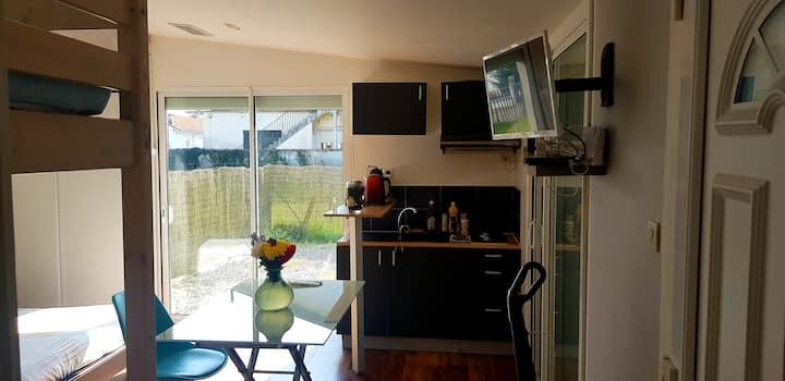Joli studio avec jardin & parking couvert sécurisé
