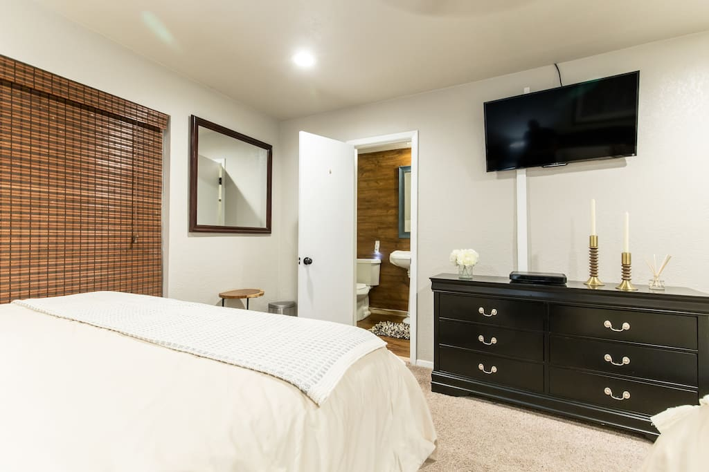 Each bed room has its own flat screen tv