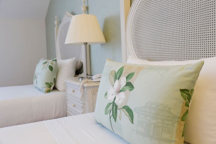 Sundial, Gardens & Suites - Twin Suite Deluxe