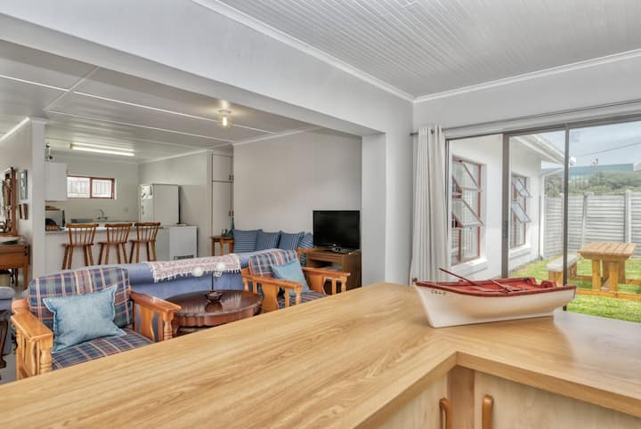 32 Marlyn Street - Spacious Holiday Home