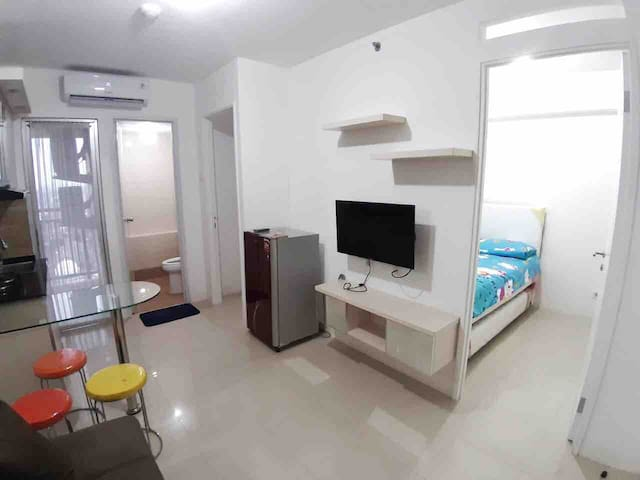 Xaveria Apartment, 2BR Bassura Apartment J tower