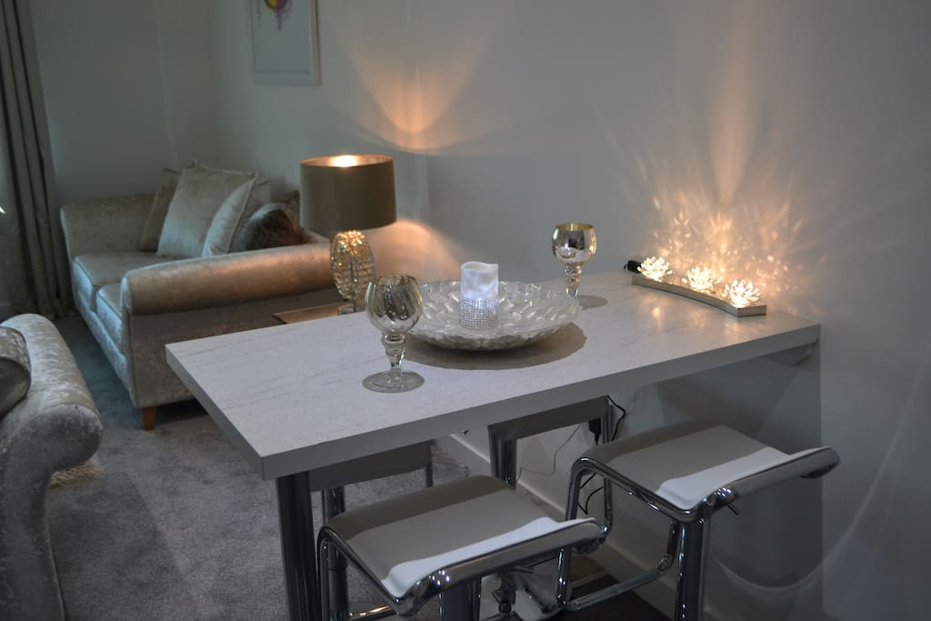 intimate cosy dining