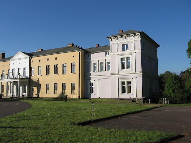 Grafensuite im Schloss Semlow