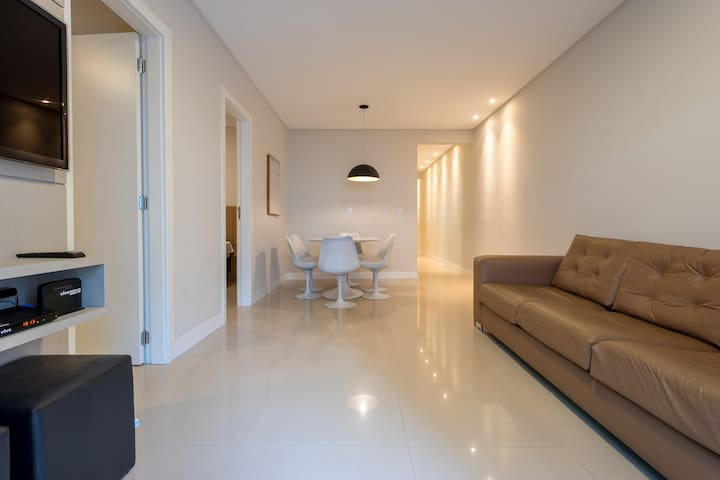 Apartamento Central na Av Brasil  50m do mar