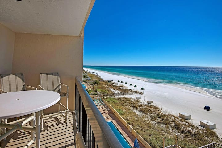 Beachfront condo w/ a private balcony, shared pools, hot tub, & fitness room