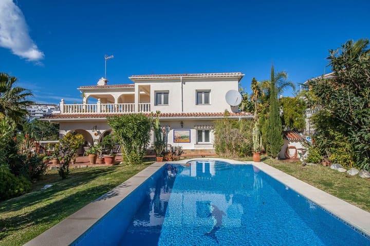 Villa vue mer piscine chauffée tout à 5 min à pied - La Cala de Mijas - Villa