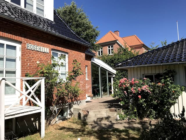 Rosehill-Fantastic Villa close to central Hillerød