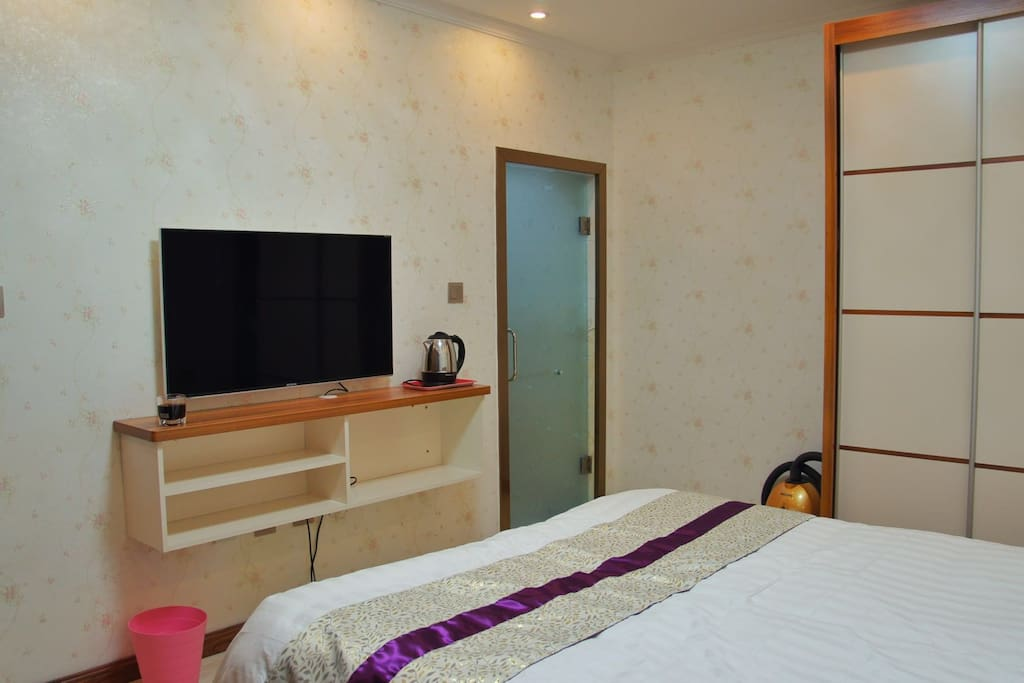 卧室,卫生间门,