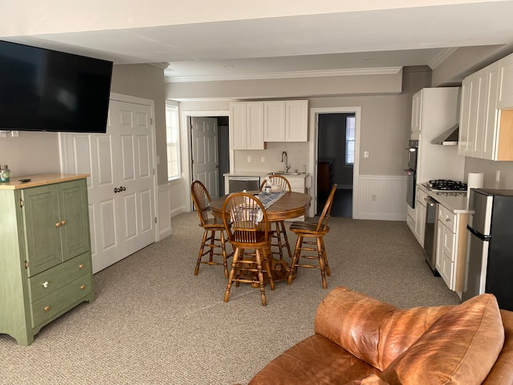 Country Club Apartment