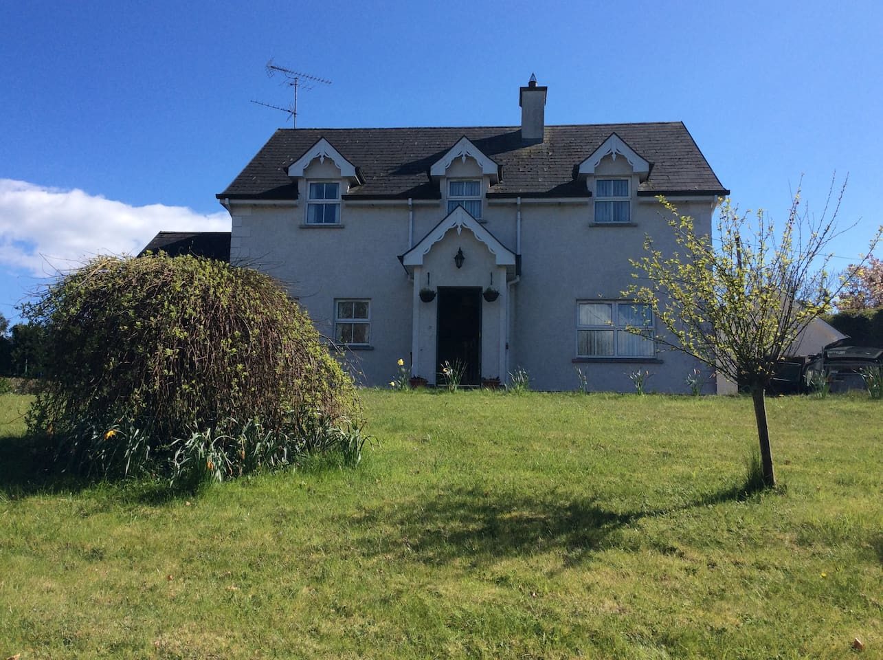 Front of house and garden in Glaslough