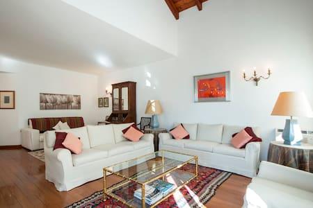 Villa  Helena - Lecco - วิลล่า