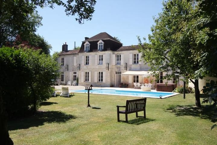Logis near Jarnac Room 3 of 3