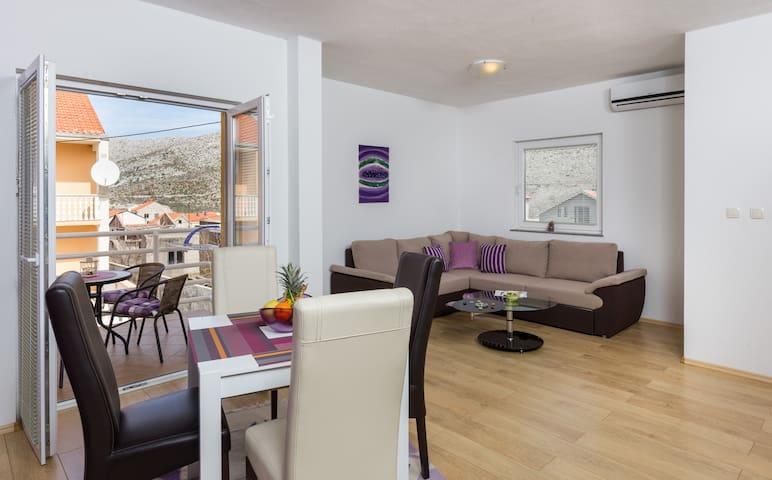 Amira Apartments  4