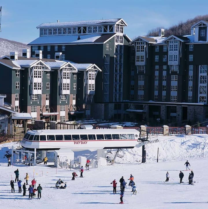 2/2 BEST SKI-IN SKI-OUT. Great deal!