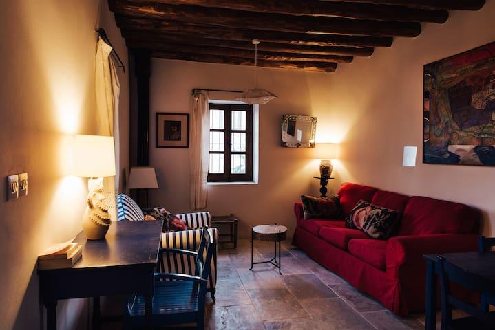 MODUS VIVENDI - LOULLAKI 2 - Psematismenos - House