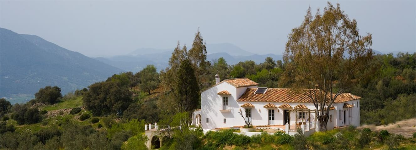 Beautiful family home in the Hills above El Gastor - El Gastor  - House