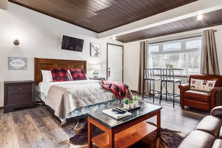 ✿Budget Friendly Cozy Condo At Edge Of Canmore✿