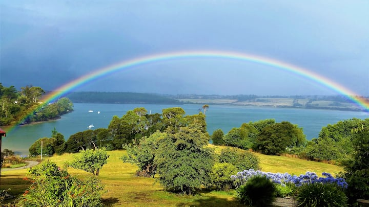 Tamar River Retreat, Tasmania
