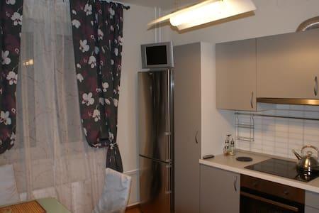 Уютная и Комфортная, Новая, Большая 45 м2. 1 к.кв. - Sankt-Peterburg - Apartment