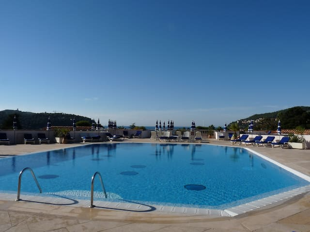 Apart 4pl. bord de mer et piscine