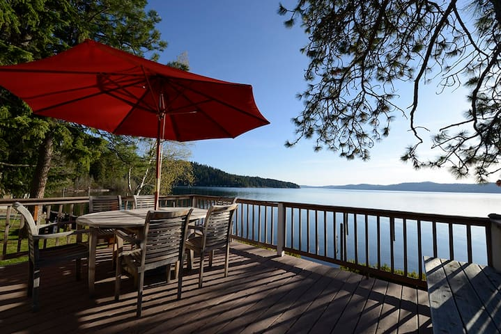 Lake Coeur D'Alene Waterfront Cabin - Harrison - Casa