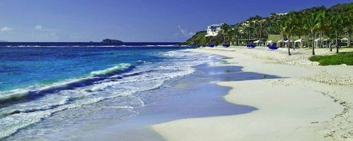 Three  rooms in front Beach St Marteen