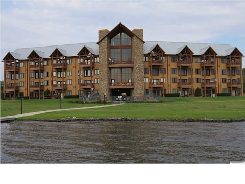 Guntersville Lake Condominium The Lodge