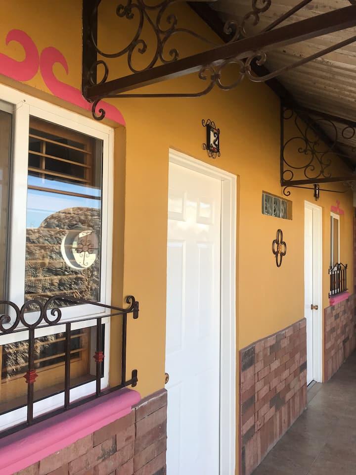 #2 Casa LA MARTINA zona hoteles a 5 min CONSULADO