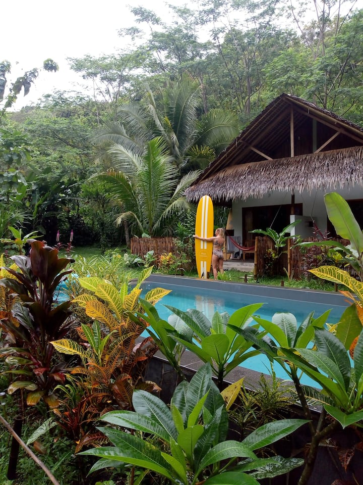 Eco-friendly tropical cosy bungalow