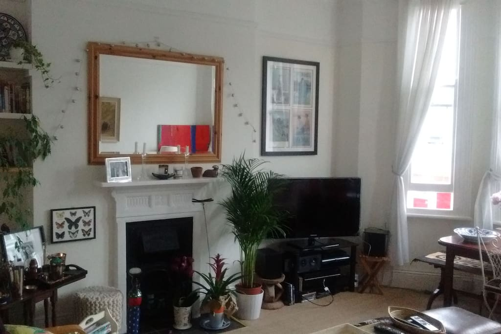 Large Comfortable One Bed Flat West Kensington Apartments For Rent In London United Kingdom