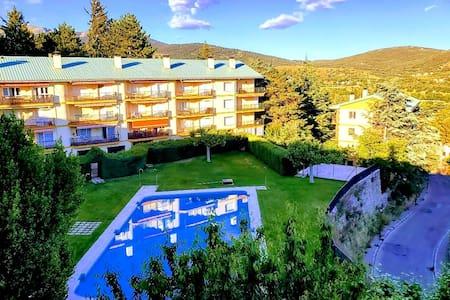 Vistas de la Sierra de Madrid. Mountains & views.