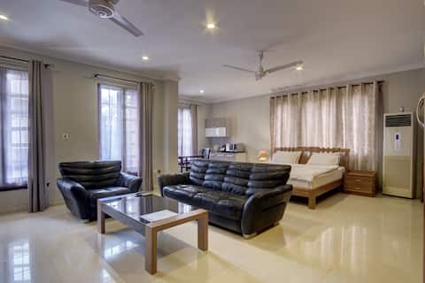 Airport Residential Very Spacious Suite