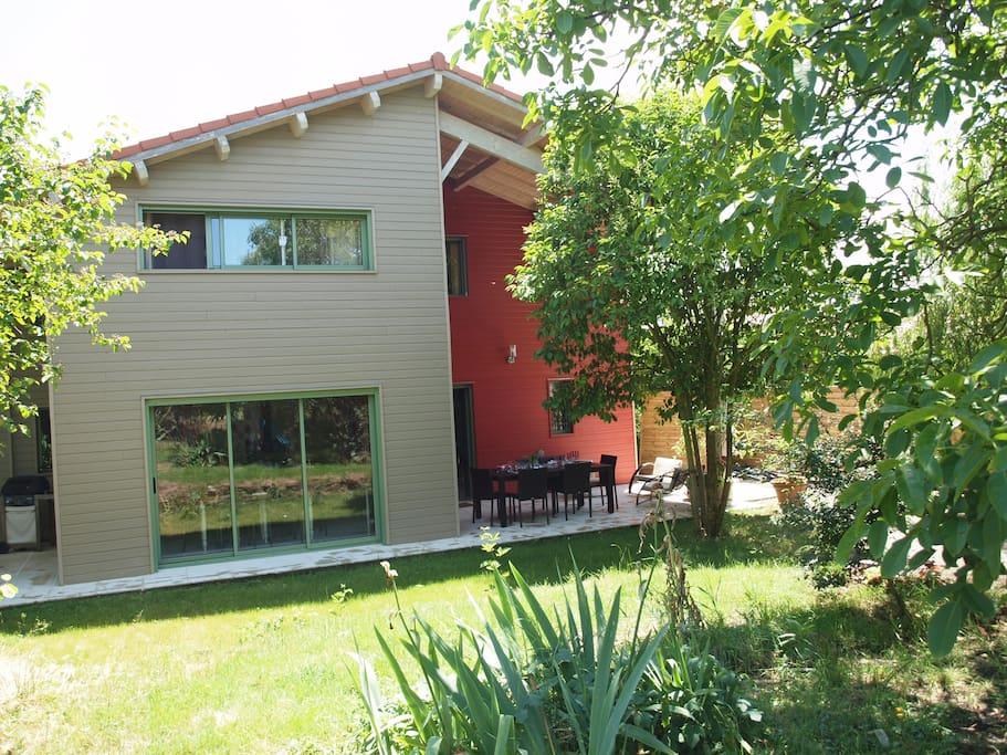 maison ossature bois neuve avec grandes terrasses